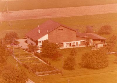 La ferme avant d'être incendiée en 1977
